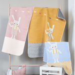 Couverture Lapin broderie offerte